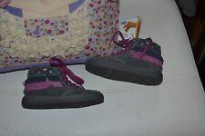 chaussure neuve chicco 23 haute bottine franche coeurs sur le cote adorable