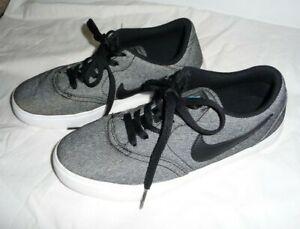 Nike SB Skateboard Size 6Y Check Canvas (GS) 905373 008 Boys Black White