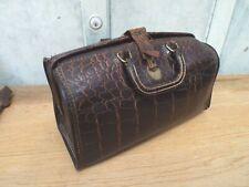 Vintage UPJOHN Leather Embossed Alligator Medical Dr. Bag Homa Clasp COW HIDE