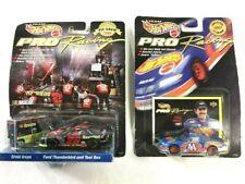 Hot Wheels Pro Racing - Ernie Irvan Havoline Ford Thunderbird #28- 1998 Pit Crew
