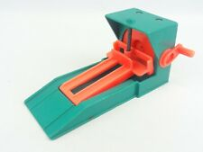 Fisher Price #2504 Car Lift Vintage 1986 Little People Garage Green Red
