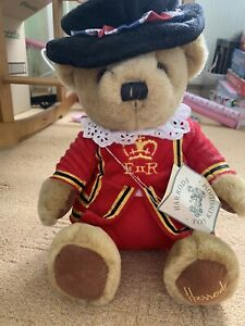 HARRODS BEEFEATER BEAR