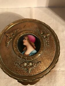 ANTIQUE FRENCH ROUND BRONZE BOX WITH PAINTED PORCELAIN