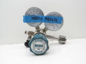 Airgas Y11-244A Compressed Gas Pressure Regulator 3500psi Max Inlet