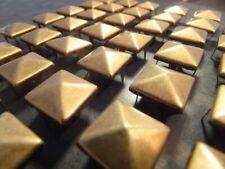 Pirámide postes de metal de 100 cuadrados de 3,5 o 10mm, ropa de moda Punk Latón Antiguo