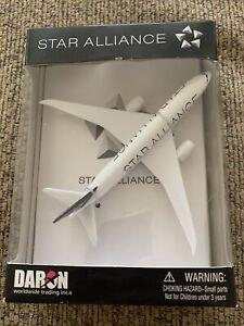 Daron Worldwide Star Alliance 757 Die Cast New In Sealed Box RT012
