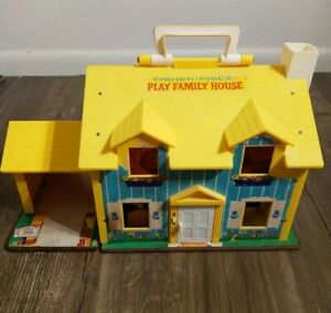 VTG 1969 Fisher Price Little People Play Family House Yellow #952 w/ Pieces