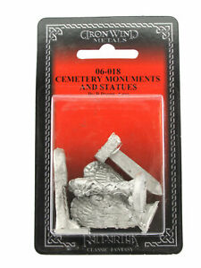 Cemetery Monuments and Statues (4) #06-018 Classic Ral Partha Fantasy RPG Figure
