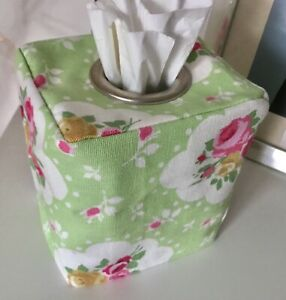 PRETTY MINT GREEN & PINK FLORAL KLEENEX TISSUE BOX COVER .. METAL EYELET OPENING