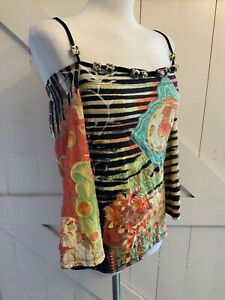 'SAVE THE QUEEN' SIZE XL. MULTICOLOURED TOP WITH COLD SHOULDERS, STRAP & BEADS