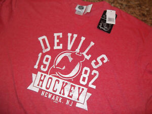NHL OFFICIALLY LICENSED PRODUCT - NEW JERSEY DEVILS LS TEE SHIRT - RETRO LOGO