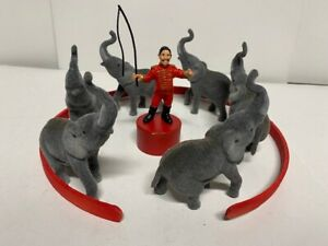 Circus Scene Plastic Figurines / People Model 1:24 or 1:25, G Scale, LGB Style