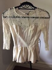 Guess Size XS white Lace Round Neck Long Sleeve Dressy Top Pre Owned