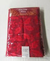 """Heirloom Collection Holiday TABLECLOTH Red FABRIC Holly Berries 70"""" Round NEW"""