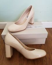 NEW IN BOX CLARKS NUDE PINK PATENT LEATHER COURT SHOES SZ 4 D 60'S/70'S/MOD/GOGO