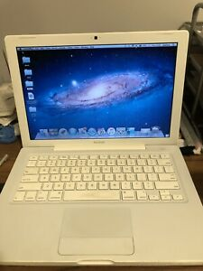" Apple MacBook 4,1 13.3"" Laptop - A1181 (Early 2008)"