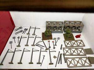Lot caténaires,pont,poteau électrique décor Jouef ho