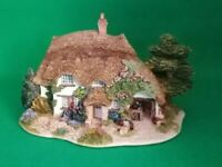 Lilliput Lane - The Pottery - Collectors Club Special - Boxed and Deeds