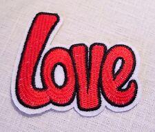 ECUSSON PATCH BRODE  thermocollant - AMOUR MOT LETTRE LOVE ROUGE ** 7 x 8 cm **