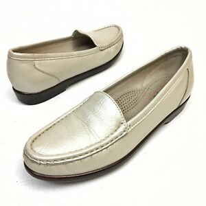 ✅❤️✅$ SAS Simplify Women's Shoes Sz 7.5 N Pearl leather loafers flats Wedge EUC