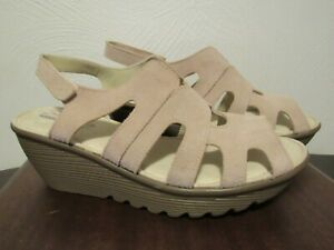 Sketchers Memory Foam Women's Light Pink Peep Toe Wedge Sandals Size 9 NWOB