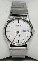 Vintage Mens Seiko Silver Tone Beautiful Dial Watch 7N43 8A89 Day/Date  B2