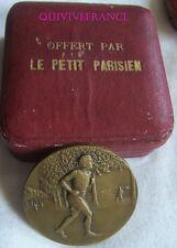MED5630 - MEDAILLE JOURNAL LE PETIT PARISIEN - COURSE A PIED par René BRANGIER