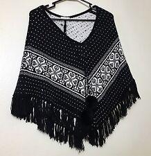 Fashion knitted woman short cloak