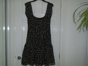 Black and yellow floaty dress, on or off shoulder, LITTLE MISTRESS, size M, 12