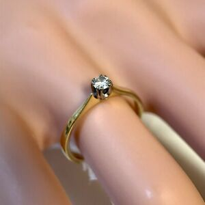 Estate TAD 18ct Gold Round Cut Diamond Solitaire Ring. Size K 1/2