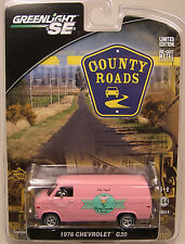 GREENLIGHT 1:64 SCALE DIECAST METAL FLYING CUPCAKE PINK 1976 CHEVROLET G20 VAN
