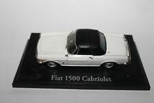 Norev Fiat 1500 Cabriolet weiß in 1:43 auf Bodenplatte Sockel