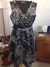Jacqui E Women's Floral Tea Dresses