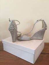NWT Davids Bridal Silver Wedges size 10