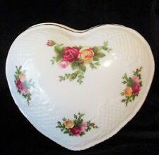 """ROYAL ALBERT    """"Old Country Roses""""  Large Heart Shaped  Jewellery Box"""