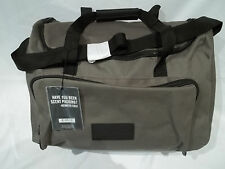 KENNETH COLE TRAVEL BAG / OVERNIGHT BAG/ / DUFFEL BAG -- NEW
