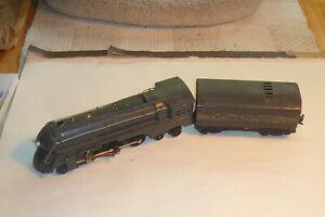 1946 Lionel Dreyfus 221 Locomotive and whistling tender