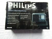 PHILIPS D1875 PORABLE RADIO VINTAGE 12 BAND WORLD RECEIVER box and bag
