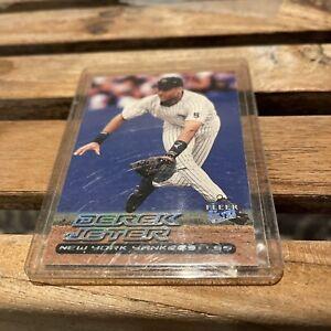 2000 Fleer Ultra Derek Jeter Baseball Card #200 New York Yankees NRMT / MINT