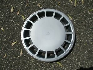 One factory 1989 to 1994 Volvo 740 940 960 15 inch hubcap wheel cover