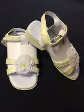 NWT Gymboree Petit Four 7 Toddler Green White Flower Sandals Shoes Easter Spring