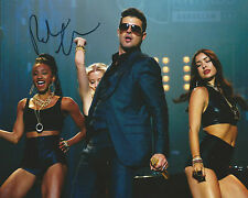 Robin Thicke *Signed* 10x8 Photo AFTAL