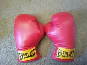 Everlast Adult Unisex Size S/M Boxing Gloves 🥊Red 8 oz. Good Cond. ChuckBooks📚
