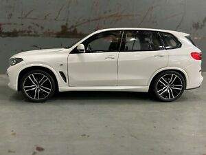 BMW X5 G05 Diecast Miniature Alpine White 1:18 Scale 80432450996