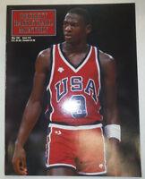 Beckett Basketball Monthly Magazine Michael Jordan & Tyrone May 1991 021015R