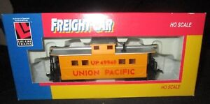 LIFE-LIKE 8534 CABOOSE - UP NIB