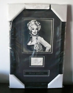 Dolly Parton Framed with Authenticated Signature Celebrity Photo  -  AG-MM