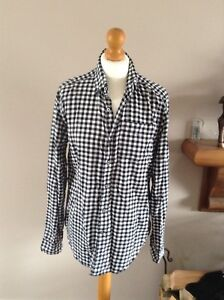 gap checked shirt black & white size small long sleeve 100% cotton