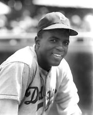 JACKIE ROBINSON HALL OF FAME LEGEND IN THIS GREAT CLASSIC GLOSSY 8X10 PHOTO