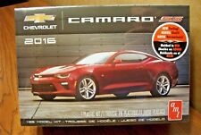 Amt 2016 Chevrolet Camaro Ss 1/25 Scale Model Kit
